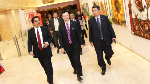 Official Visit by YBTM (Trade) YB Datuk Chua Tee Yong to MIDF